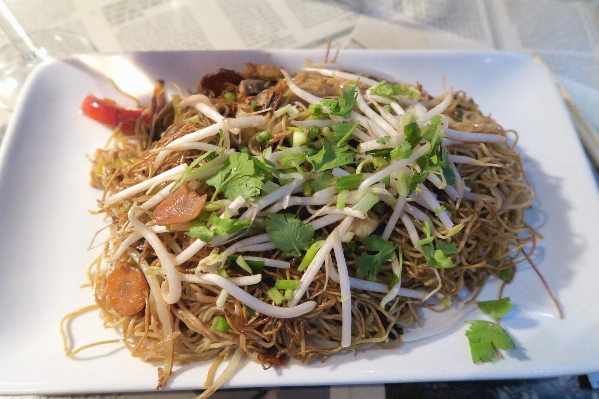 Hema_Aname_bistrot_vietnamien_nouilles sautées_paris_restaurant_cuisine_monde