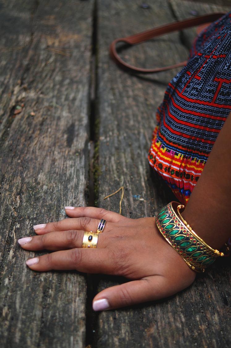 Hema_Hmong girl_Vietnam_look_5_bangles