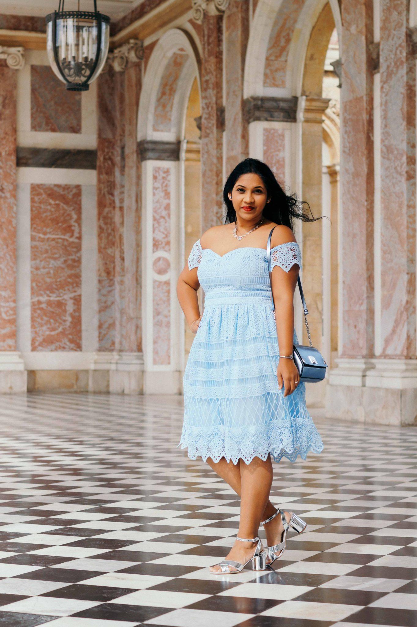 Un look mode pour une tenue de mariage au Château de Versailles