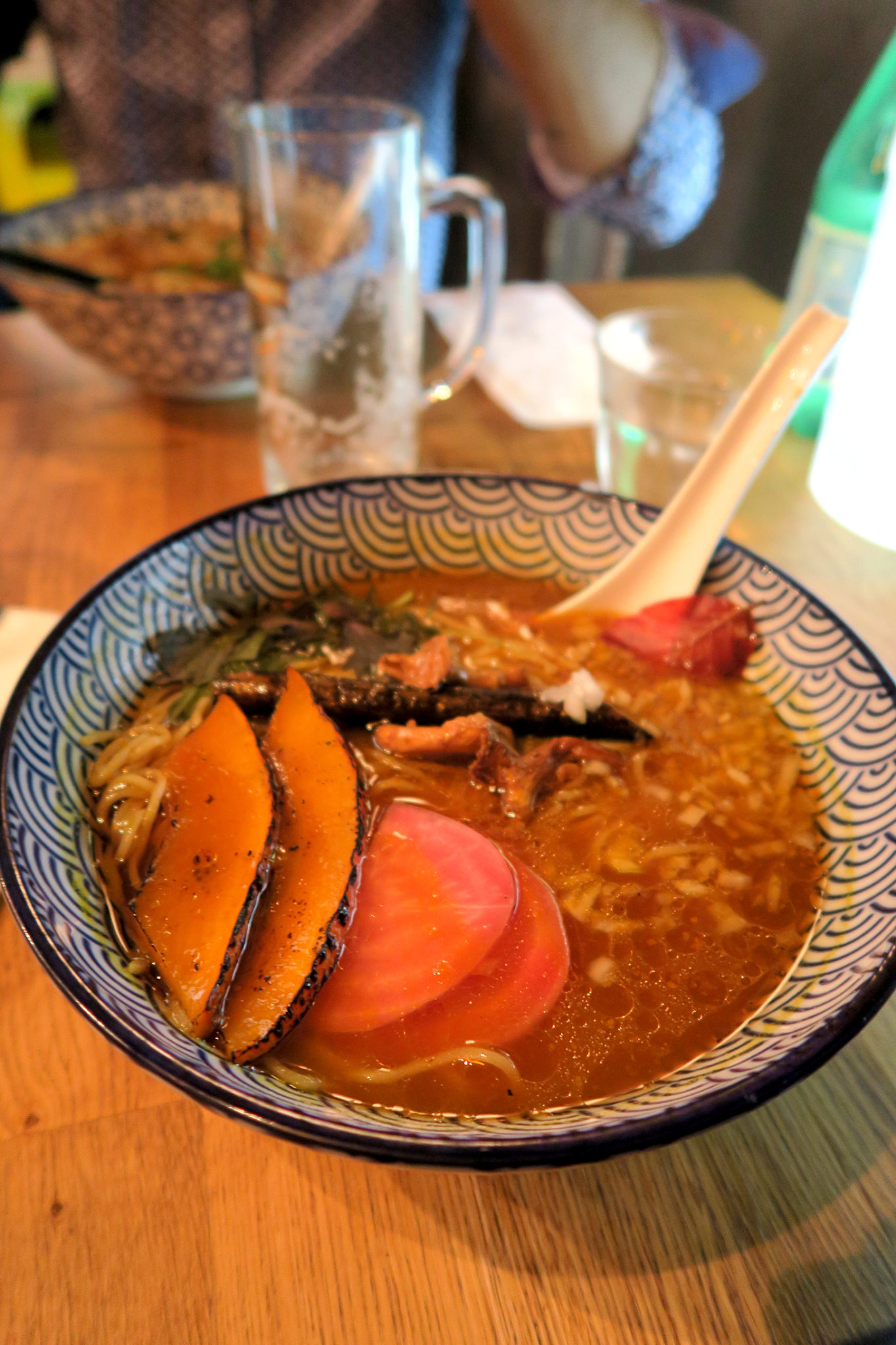 Ramen végétarien potimarron paitan du restaurant japonais Kodawari Ramen à Paris