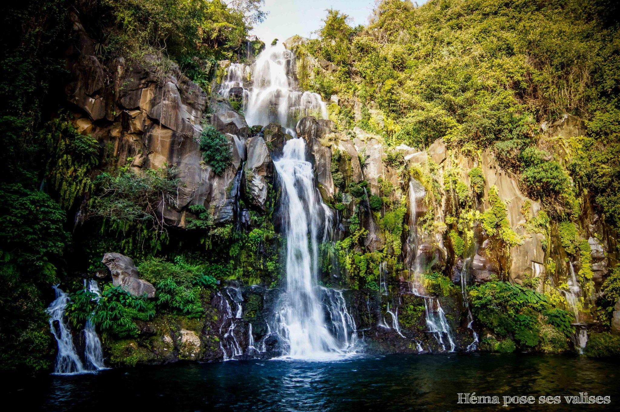 Vue à l'arrivée du bassin des aigrettes à La Réunion, une magnifique cascade !