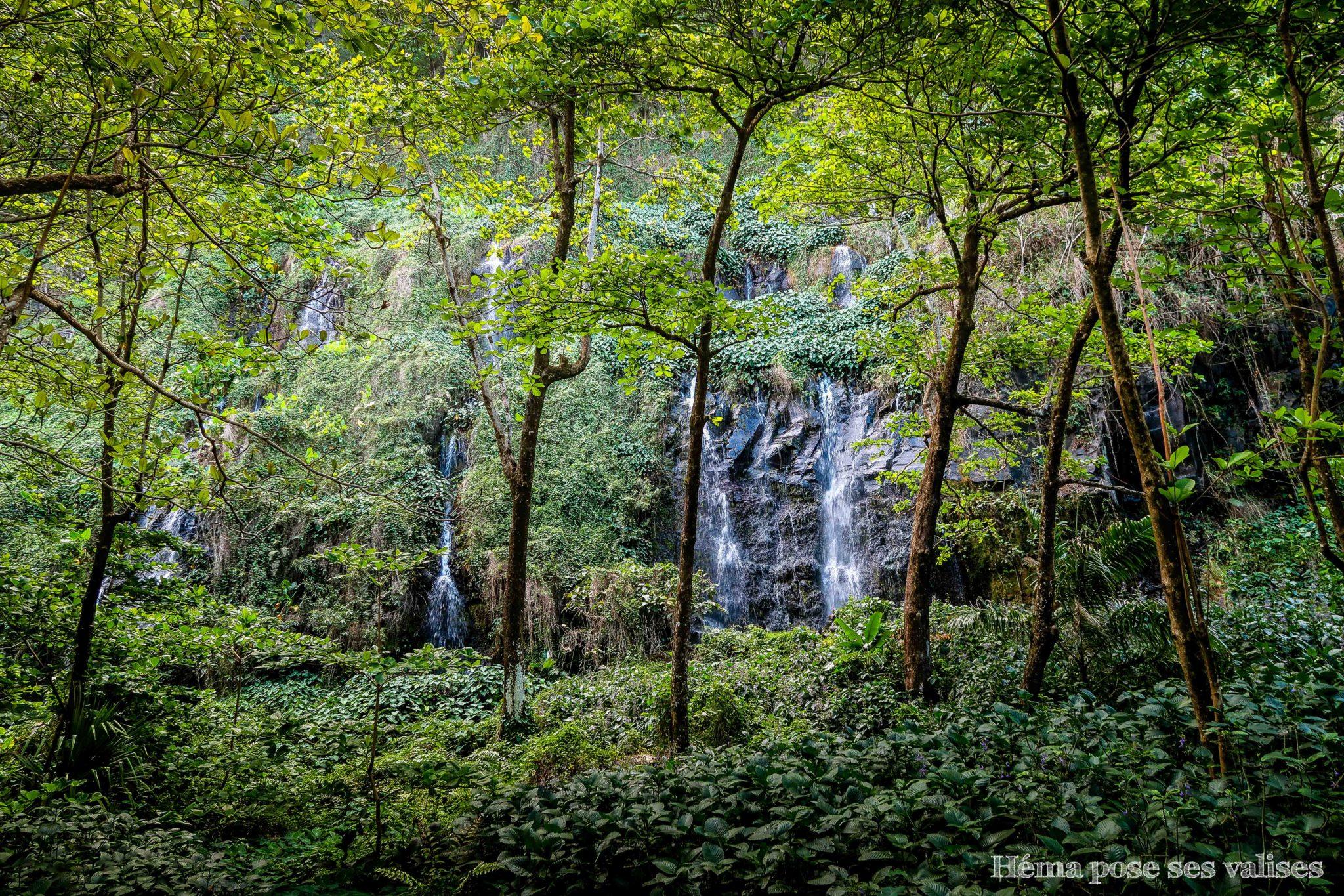 Vue des cascades de l'anse des cascades en se baladant à La Réunion