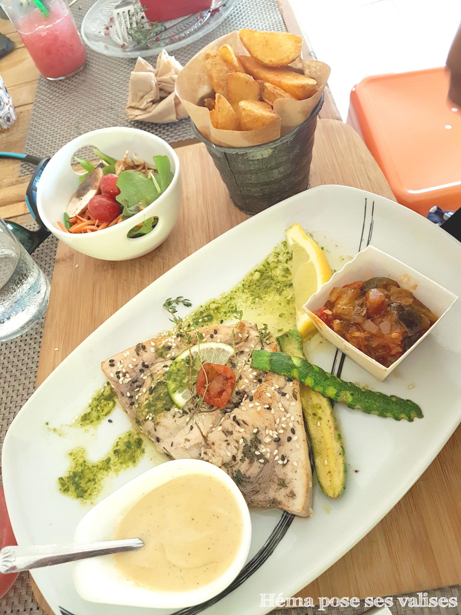 Poisson servi au restaurant La Cabane aux épices à l'île de La Réunion
