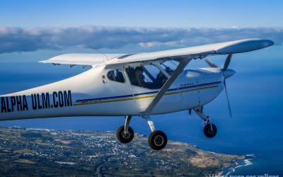 Vue sur le deuxième ULM en vol couple à La Réunion