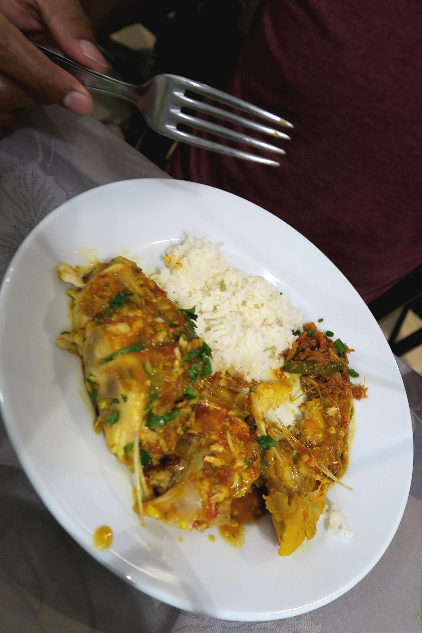 Riz et son cari servis au restaurant Le Reflet des îles à Saint Denis à La Réunion