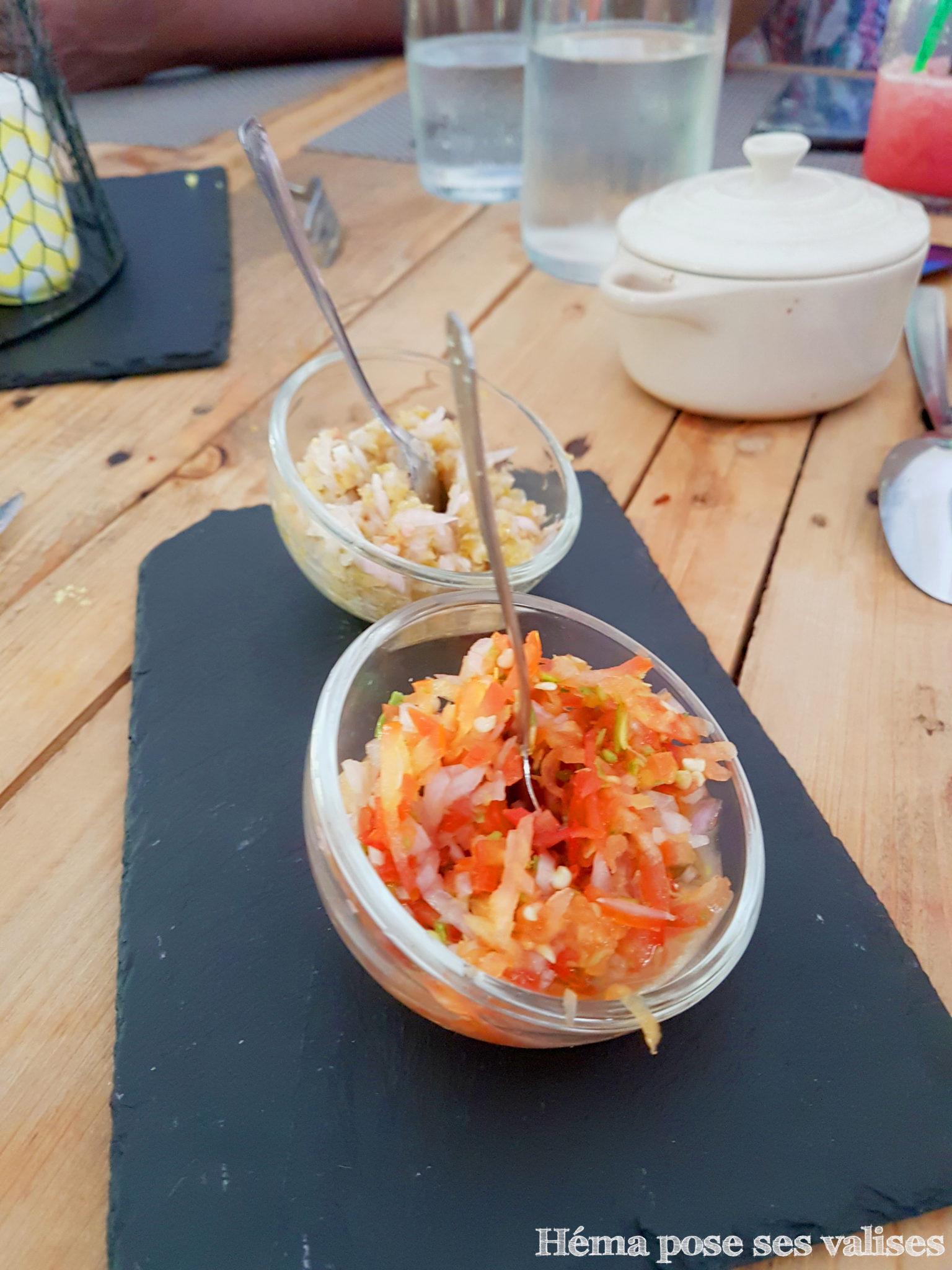 Sauces au piment servies au restaurant La Cabane aux épices à l'île de La Réunion