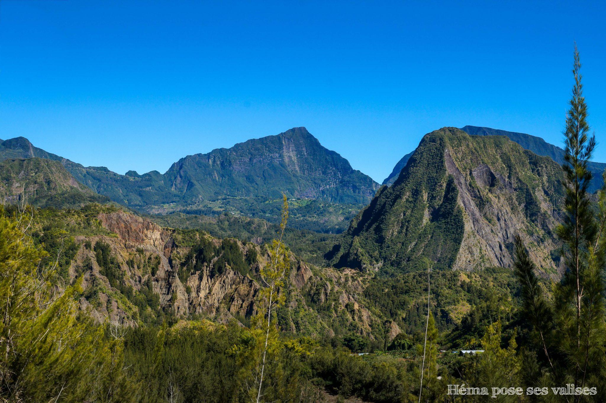 Vue sur le cirque de Salazie depuis Hell Bourg à La Réunion