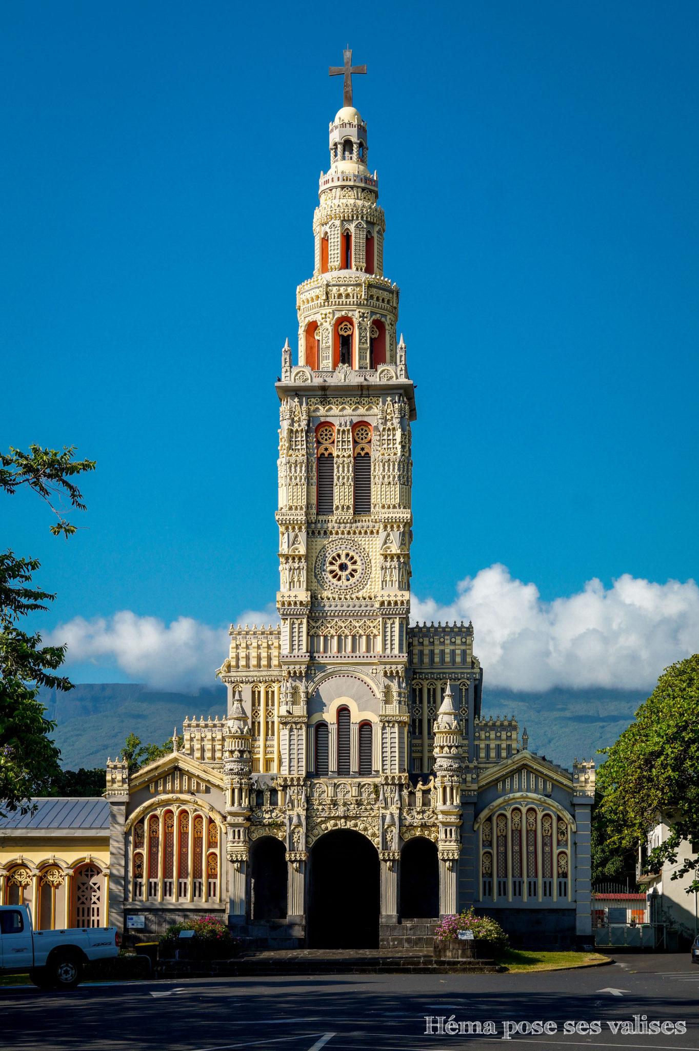 Façade de l'église Saint Anne à l'île de La Réunion