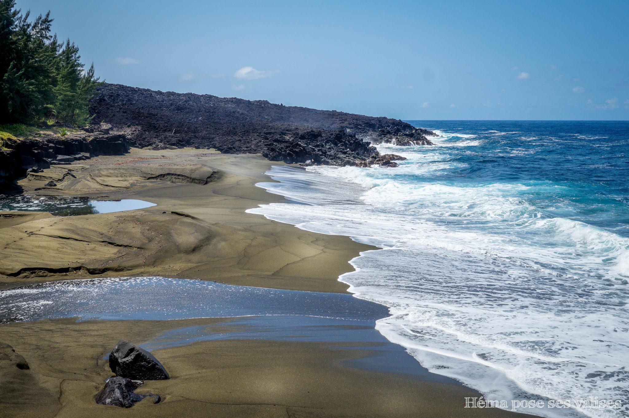 Plage de Takamaka entre la Pointe de la table et le Puits arabe à La Réunion