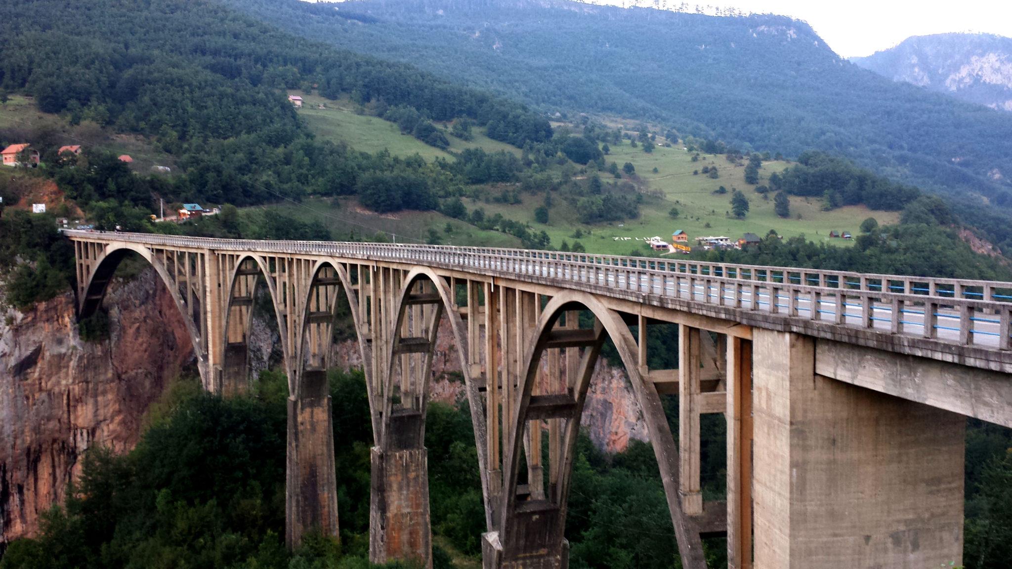 La plus grande tyrolienne d'Europe est à Monténégro